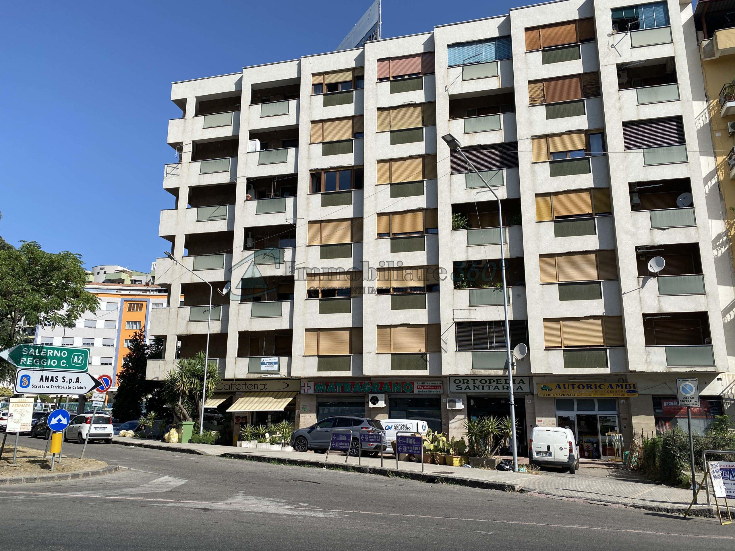 Ampio appartamento con doppio ingresso